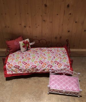 American Girl house set. 2 lockers, kitchen set, and doll bed + dog bed for Sale in Manalapan Township, NJ