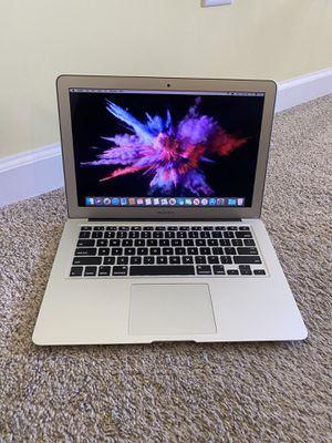 MacBook Air 2017 (8gb Ram, i5 processor, 128 gb SSD) for Sale in Murfreesboro, TN
