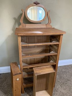 Dresser w/ mirror for Sale in Davenport,  IA