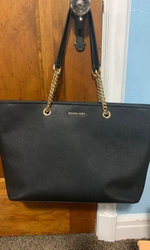 Michael Kors Bags | Michael Kors Jet Set Travel Chain Tote | Color: Black | Size: OS for Sale in Detroit, MI
