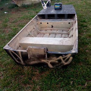 12ft Jon Boat With Trolling Motor for Sale in West Palm Beach, FL