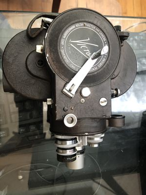 Antique film maker - 16mm VICTOR Cine Camera USA Model 4 With Objective Revolver C-Mount Cine-Film 16 for Sale in Darien, CT