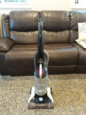 "Bissell Clearview multi cyclonic rewind pet vacuum"" moving today must sell"" for Sale in Redwood City, CA"