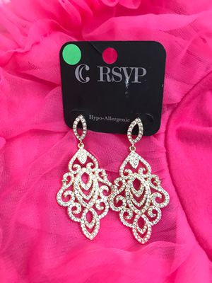 Ear rings , clips and Hair bun for Sale in Silver Spring, MD