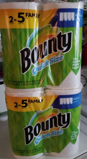 Bounty quick size huge family size rolls for Sale in Perrysburg, OH
