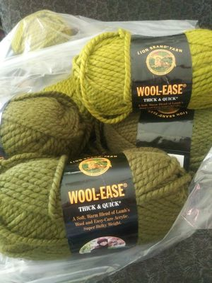Lion Brand WOOL-EASE Thick &Quick for Sale in Montgomery, AL