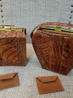 2 Small Handbags for Sale in Wichita, KS