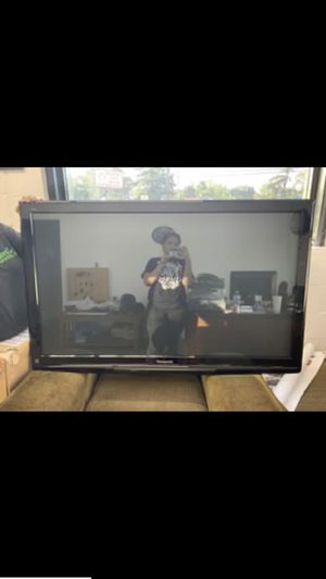 50in tv for Sale in Saint Charles, MO