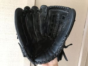 Adult LH softball glove for Sale in Chandler, AZ