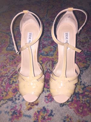 Steve Madden nude leather peep toe wedges size 7 for Sale in South Miami, FL
