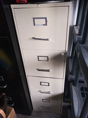 Big filing cabinet with key for Sale in Albuquerque, NM