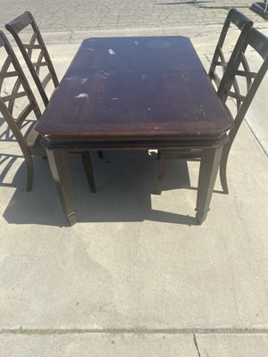 Dining Table and four chairs for Sale in Lemoore, CA