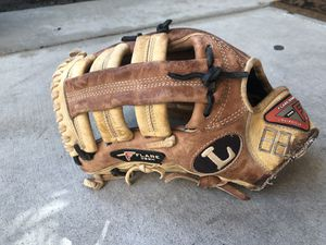Louisville Pro Flare Design 12.75 Baseball/Softball Glove. Left Handed Throw. for Sale in Rancho Cucamonga, CA