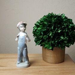 Vintage Lladro #4898 Boy from Spain Figurine for Sale in Redmond,  WA