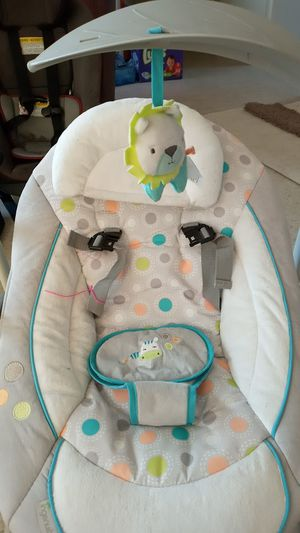 Infant swing by Ingenuity. Swing speed and plays music9 for Sale in San Diego, CA