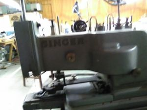 Singer 4 sewing machine upholstery sower for Sale in Goddard, KS