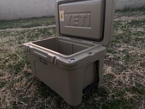 Yeti Tundra 45 Quart Cooler for Sale in Lubbock, TX
