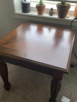 2 Nightstands / End Tables for Sale in Tacoma,  WA