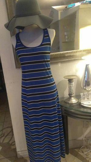 NEW MAXI DRESS MEDIUM SZ for Sale in Riverside, CA