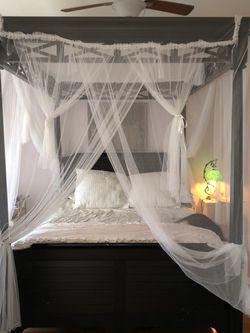 CANOPY BED for Sale in Atlanta,  GA