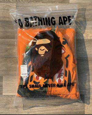 Authentic Bape tiger hoodie ds in bag xxxl fits like xl for Sale in Falls Church, VA