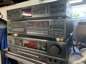 Optimus Stereo Home Theater System / Receiver / CD / Equalizer / Speakers for Sale in Sheffield Lake, OH