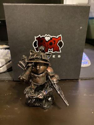 VERY RARE league of legends statue for Sale in Winchester, CA