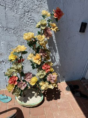49 inches tall Plastic flower arrangement in a jade vase. for Sale in La Puente, CA