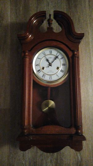 Antique Waltham 31 day chime clock for Sale in Saint Paul, MN