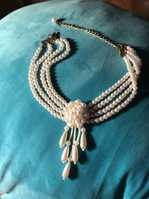 Cluster pearl necklace in perfect condition for Sale in Lanham, MD