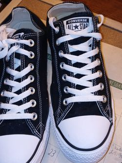 Converse Men's 10 1/2 .... for Sale in Austell,  GA