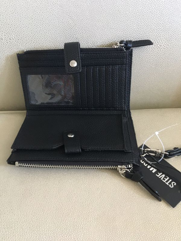 Black STEVE MADDEN double zipper wristlet