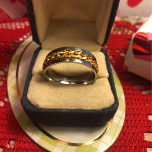 Guys Stainless Steel Band With Good Tone Chain Link Design Size 13 New for Sale in Macedonia, OH