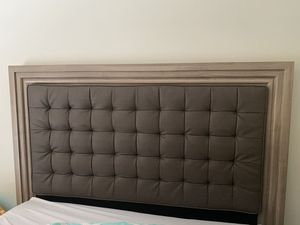 FULL bed frame and headboard for Sale in Coconut Creek, FL
