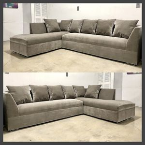 New Modern velvet Sectional Sofa couch for Sale in Miami, FL