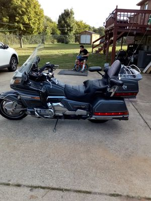 Motorcycle honda goldwing for Sale in Springfield, TN