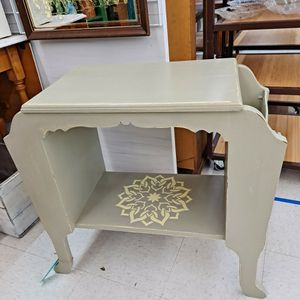 End Table With Side Storage for Sale in Beaverton, OR