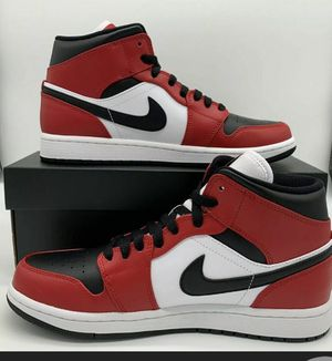 Nike air Jordan 1 mid Chicago. Men's size 8.5. for Sale in Houston, TX