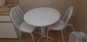 Kitchen table and chairs for Sale in Hollywood, FL
