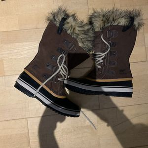Sorel Joan of Arctic Brown Fur Boots Women's 8 NWOT for Sale in Minneapolis, MN