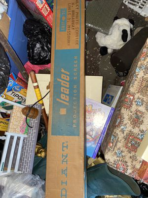 Vintage Radiant leader projector screen for Sale in University City, MO