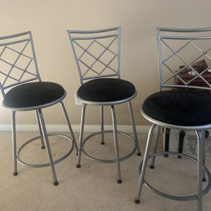 Silver & Black Swivel Bar Stools (set of 3) for Sale in Rancho Cucamonga, CA
