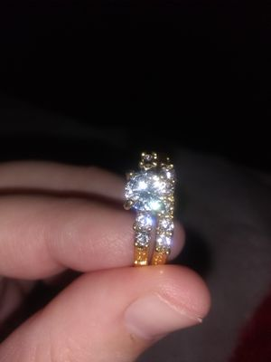 Gold engagement ring set for Sale in Salinas, CA