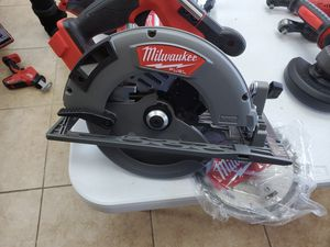 Milwaukee Fuel m18 7-1/4 circular saw BRAND NEW with blade $100 for Sale in Fort Worth, TX