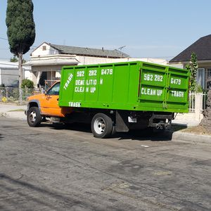 Hauling demolicion trash for Sale in Redondo Beach, CA