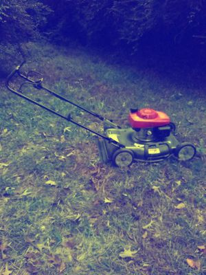 Honda Harmony ll 216 HRS Push Mower for Sale in Tucker, GA