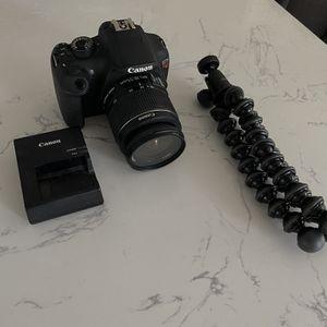 Canon EOS Rebel t5 for Sale in Las Vegas, NV