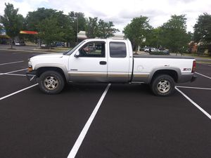 2001 chevy silverado 4x4 for Sale in Bowie, MD