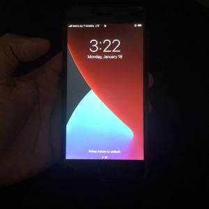 Unlocked iPhone 8 Plus. Black 64GB for Sale in Detroit, MI