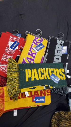 Scarfs and beanies for Sale in Fontana, CA